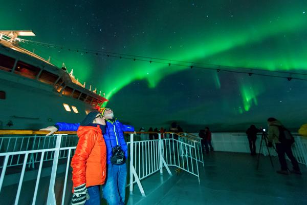 Noorderlicht zien met Hurtigruten