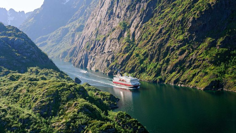 Ruig Noorwegen zien met Hurtigruten