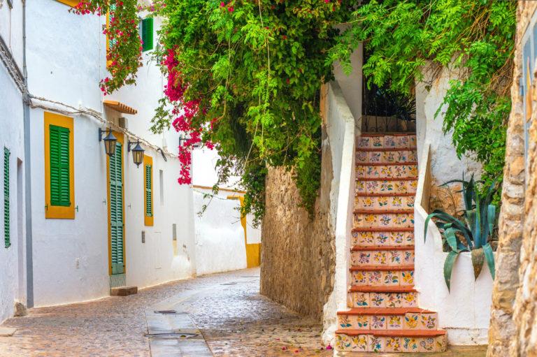 Fietsfeest op ingetogen Ibiza
