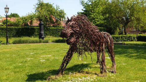 ijzerkunstwerk leeuw hortuspark kopie